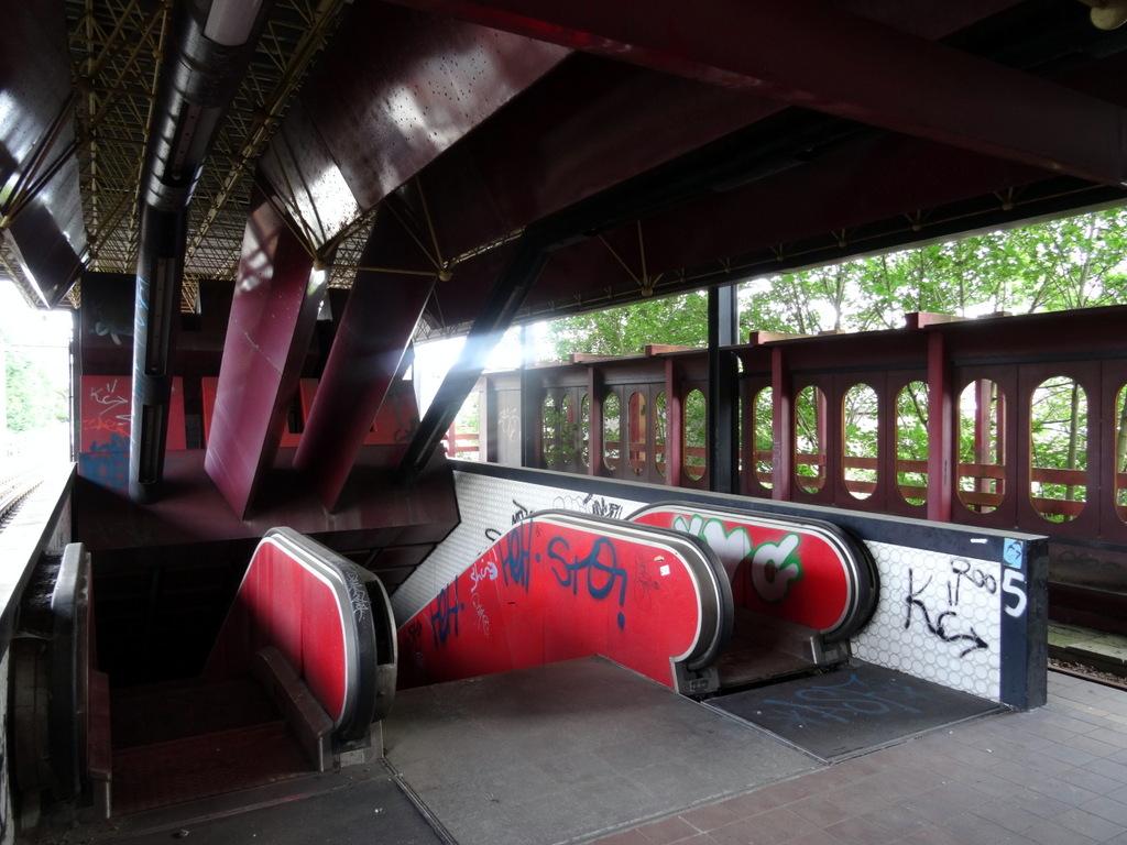 DSC00680 Charleroi - Metro abandonné