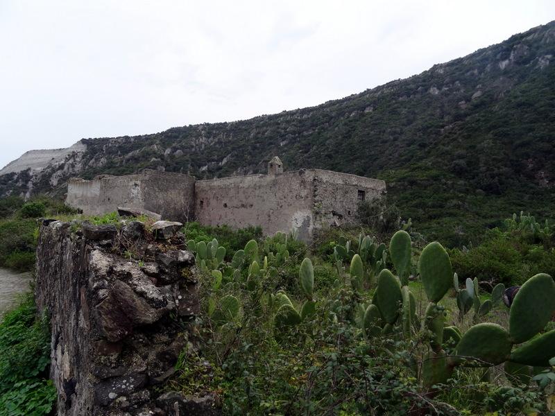 DSC04147 Lipari - Porticello - Carrieres de pierre ponce